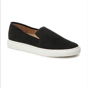 Bayana Slip On Sneaker